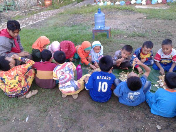 Kebersamaan guru dan murid